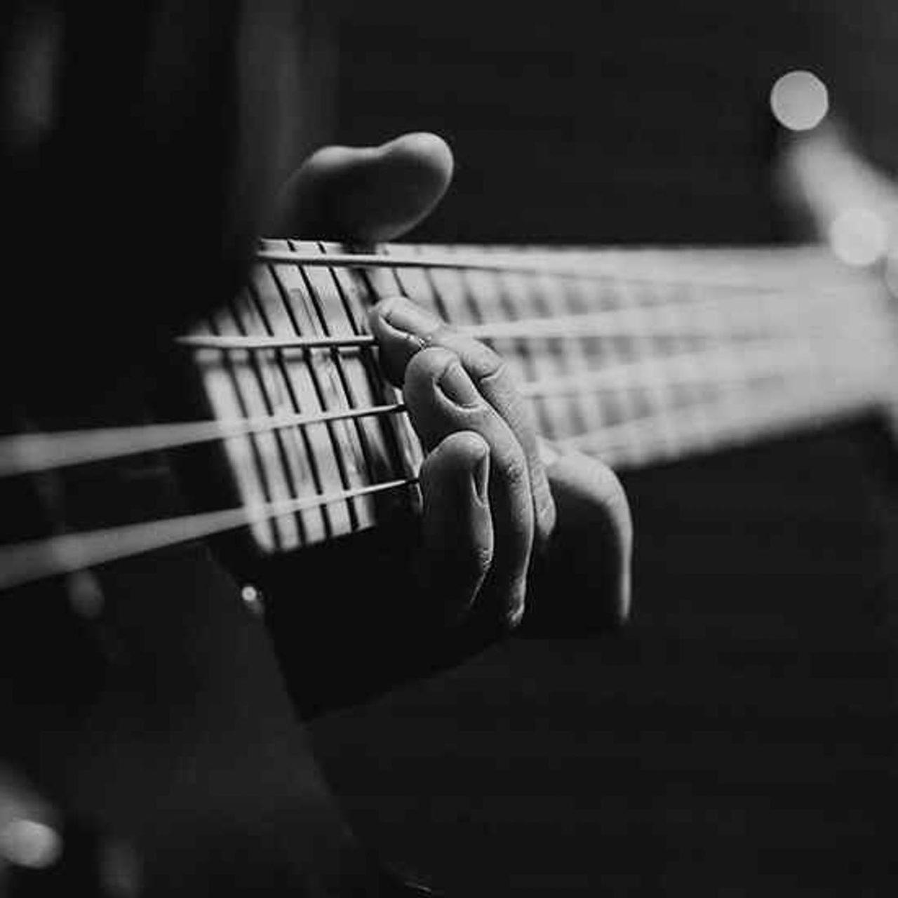 https://www.accademiamoebius.it/wp-content/uploads/2019/12/moebius-music-academy-01-6-1280x1280.jpg